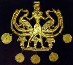 Minoan pendant from the Aigina Treasure. Cretan work of Middle Minoan III, c. 1700-1550. Gold. Thanks to www.ou.edu