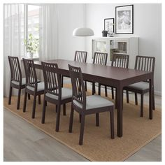 length: 70 A durable dining table that makes it easy to have big dinners. A single person can extend the table and there's plenty of room for chairs since the legs are always located at the corners of the table. Extendable Dining Table, Dining Room Table, Dining Chairs, Dining Rooms, Chaise Ikea, Table Extensible, Ikea Family, Under The Table, Smart Design