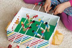Kindergeburtstag-Spiele: 20 Ideen für Indoor-Spiele am Kindergeburtstag - Spielideen von der Gespensterjagd bis hin zum Zauber-Paket. © iStock/ vision net ag Triangle, Games, Diy, Crafts, Teaching, Sport, Breakfast Nook, Party, Children