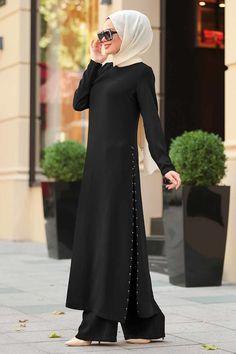 Tuay - Yırtmaçlı Siyah İkili Tesettür Takım 30050S Abaya Fashion, Muslim Fashion, Modest Fashion, Indian Fashion, Fashion Dresses, Indian Designer Outfits, Designer Dresses, Mode Hijab, Short Dresses