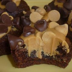I'm thinking I need to make these for the guys that helped out at work last week!  Peanut Butter Brownie Bites oh heck yeah!