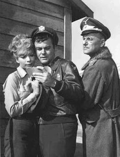 Arlene Martel (Tiger), Bob Crane, and Werner Klemperer on the set of Hogan's Heroes. Arlene Martel contributed to and was a terrific supporter of Bob Crane: The Definitive Biography. Best Tv Shows, Favorite Tv Shows, Movie Stars, Movie Tv, Richard Dawson, Hogans Heroes, I Dream Of Jeannie, The Lone Ranger, Old Shows