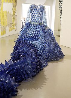 This is not your usual recycling! This art dress is by Enrica Borghi. Titled Vestito Blu, it is made of mineral water bottles, plastic bags, and plexiglas.