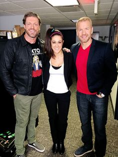 edgeratedr: What do you get when you have @itsBayleyWWE + catchers gear + E&C + kendo stick? Watch #TheECShow to find out.