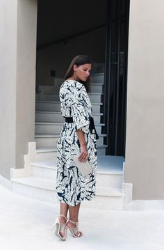 FASHIIONCARPET. Dark green and white printed midi dress+black belt+ivory ankle strap heeled sandals+ivory clutch. Summer (First Date) outfit 2016