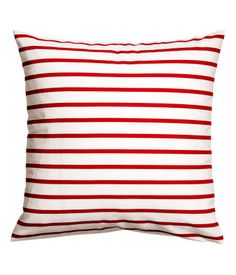 White/red striped. Cushion cover in woven cotton fabric with printed stripes. Concealed zip.