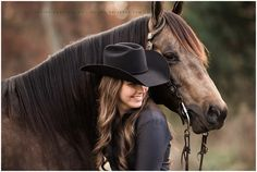 Senior portraits with horses Horse Senior Pictures, Pictures With Horses, Country Senior Pictures, Horse Photos, Cowgirl Pictures, Horse Girl Photography, Senior Portrait Photography, Equine Photography, Photography Poses