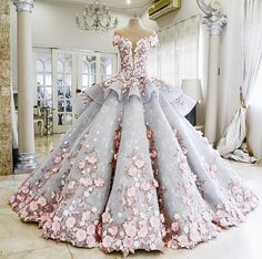 Pretty Light Blue Quinceanera Dress Ball Gown Flowers Evening Dress Long Backless Wedding Prom Gowns Formal Dress For Teens Brides Light Blue Wedding Dress, Camo Wedding Dresses, Colored Wedding Gowns, Wedding Dresses With Flowers, Princess Wedding Dresses, Gown Wedding, Floral Wedding, Lace Wedding, Cinderella Wedding