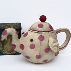 Teapot by Flossie Limejuice