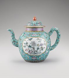 TURQUOISE GROUND FAMILLE ROSE PORCELAIN TEAPOT AND COVER, CHINA, QING DYNASTY, DAOGUANG MARK AND PERIOD (1821-1850)