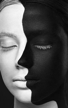 Black & white face painting silhouette WB - Weird Beauty by Alexander Khokhlov, via Behance (amazing, beautiful, optical illusion) Black And White Portraits, Black And White Photography, Monochrome Photography, Alexander Khokhlov, Black And White Face, Black Face Paint, Black White Art, Black Body, Black And White People