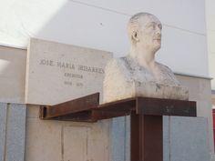 Busto del escritor José María Iribarren, Tudela, Navarra. Spain.  [By Valentín Enrique].