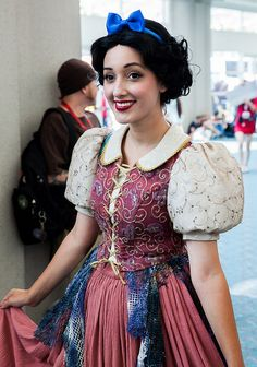 Snow White #cosplay | SDCC 2013....... oooooo so pretty I want this costume!!!!