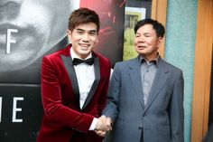 """Philip Ng Wong Jack Man Photos - Actor Philip Ng (L) poses for a photo with martial artist Wong Jack Man (R) at a special screening of BH Tilt & WWE Studios' """"Birth of the Dragon"""" at the AMC Dine-In Kabuki 8 theater on August 16, 2017 in San Francisco, California. - 'Birth of the Dragon' Special Screening With San Francisco Chinese Hospital"""