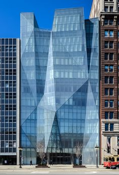 The Spertus Institute of Jewish Studies, designed by Krueck and Sexton, is an architectural gem designed to look just like that. This diamond-esque building of faceted glass plays with light and dazzles the eye. Chicago, Illinois.