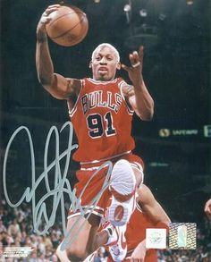 Dennis Rodman Signed 16X20 Photo - Bulls Rebounding