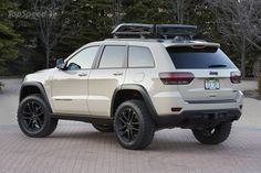 The Grand Cherokee EcoDiesel Trail Warrior is one of six concepts built by Jeep and Mopar for the 2014 Easter Jeep Safari. Jeep Grand Cherokee Laredo, Grand Cherokee Trailhawk, 2013 Jeep Grand Cherokee, Cherokee 4x4, Cherokee Limited, Auto Jeep, Moab Jeep, Jeep Jeep, Jeeps