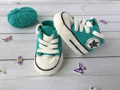 Crochet Converse All star baby booties, Crochet Converse shoes, sneakers allstar Crochet Converse All Star Babyschuhe, Crochet Converse Schuhe, Turnschuhe allstar Crochet Converse, Crochet Baby Booties, Crochet Slippers, Baby Girl Crochet, Crochet Baby Shoes, Baby Converse, Converse All Star, Baby Boy Booties, Baby Shoes Pattern