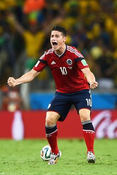Soccer is Life. Soccer Guys, Soccer Stars, Football Soccer, Football Players, James Rodrigues, Fc Hollywood, James Rodriguez Colombia, Sport Icon, Gareth Bale