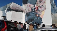 Un mar de contos: Derrubando muros con pintura en Carballo