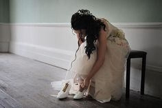 Copyright photo by Tom Gold.   wedding photography - getting ready