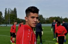Youcef Attal Ogc Nice, Football, Girl Pictures, Most Beautiful Pictures, Bb, Soccer, Girls, Sports, Gymnastics