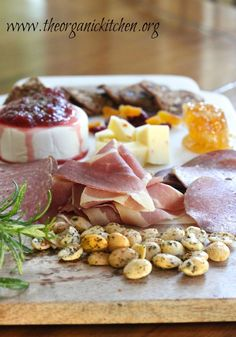 What the Heck is Charcuterie? And Why You Want it at Your Next Party! Meat Appetizers, Appetizers For Party, Appetizer Recipes, Charcuterie Recipes, Charcuterie And Cheese Board, Cheese Boards, Caprese Salat, Healthy Finger Foods, Real Food Recipes