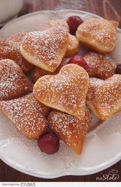 Skrei and double Jerusalem artichokes - Healthy Food Mom Gourmet Recipes, Sweet Recipes, Baking Recipes, Dessert Recipes, First Communion Cakes, Exotic Food, Polish Recipes, International Recipes, Pudding Cake