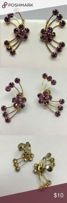 🆕Vintage Gold & Purple Rhinestone Earrings A pair of delicate gold and purple rhinestone Screwback earrings, arranged in sprays of rhinestones. In very good vintage condition; some plating loss on the reverse but not noticeable when worn. Definitely different and unique! Vintage Jewelry Earrings