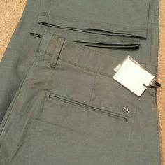 Calvin Klein pants Classic fit 31x32 new Calvin Klein Pants Straight Leg