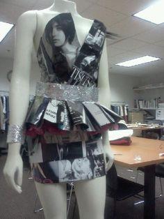 magazine dress Paper Fashion, Diy Fashion, Diy Paper, Paper Art, Recycled Costumes, Paper Dresses, Magazine Crafts, Recycled Fashion, Dress Out