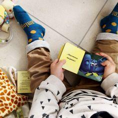 Les chaussettes en mérinos de Lamington régule la température du corps pour que l'enfant n'ait pas de pieds chauds et moites (élimine l'humidité). Disponible dans les tailles pour toute la famille, les tailles sont tricotées dans chaque paire, donc pas de confusion!