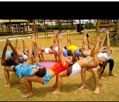 Group acro circle balance