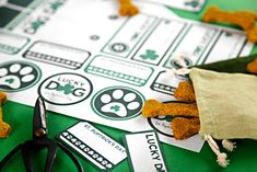 """Patrick's Day """"Lucky Dog"""" Dog Treat Tags and Labels Printable Labels, Free Printables, Bacon Dog Treats, Alphabet Cookies, Shaped Cookie, Cat Crafts, Dog Treat Recipes, Buisness, Dalmatian"""
