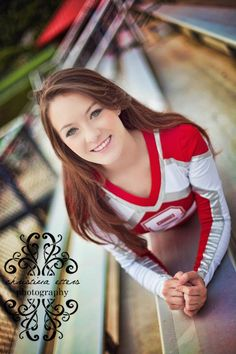 Cheerleader senior picture ideas for girls. Sports senior picture ideas for girls. Cheerleading Senior Pictures, Senior Cheerleader, Senior Pictures Sports, Cheer Pictures, Senior Photos, Cheerleading Stunting, College Cheerleading, Senior Portraits, Cheers Photo