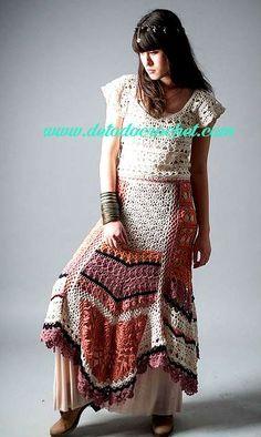 Falda crochet con estilo hippie