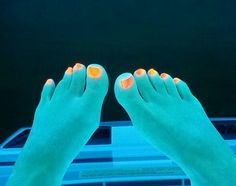 Glowing toes