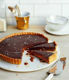 Salted-chocolate-and-dulche-de-leche-tart
