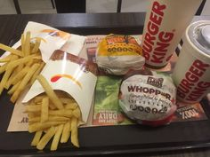 Junk Food Snacks, Food N, Food And Drink, Fast Food Restaurant, Restaurant Recipes, Lunch Items, Recipe For Teens, Snap Food, Healthy Comfort Food
