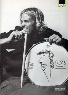 Taylor Hawkins Is that a drawing of Dave on the drum? XD.... Taylor f@#kin Hawkins everybody!!!!