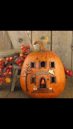 Great doorway pumpkin idea
