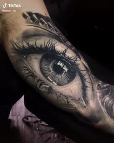 Realistic eye arm tattoo - Realistic eye arm tattoo You are in the right place about Realistic eye arm tattoo Tattoo Design And - Badass Tattoos, Tattoos For Guys, Tattoos For Women, Cool Tattoos, Best Tattoo, Amazing 3d Tattoos, Hand Tattoos, Unique Tattoos, Body Art Tattoos