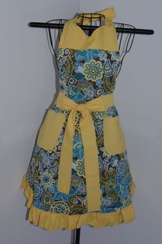 Reversible Apron in Floral Prints - pinned by pin4etsy.com