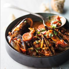 Taste Mag | Mussels and chorizo in chilli-tomato sauce @ http://taste.co.za/recipes/mussels-and-chorizo-in-chilli-tomato-sauce/