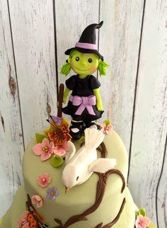 #whimsical #witchcake #greenwitchcake