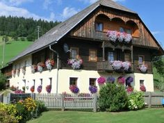 Kniebergerhof Liebenfels This charming guest house features a large garden with an outdoor pool and playground. Its rooms and apartments offer flat-screen TVs and countryside views. Liebenfels is 10 km away.  Kniebergerhof has rustic rooms with wooden furniture.