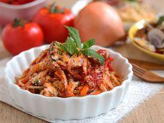 Pasta in Simple Tomato Sauce daydaycook.com