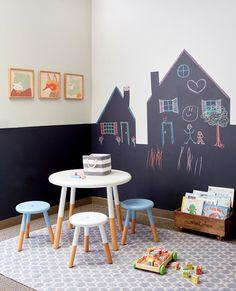 Een kinderkamer met een eigen huis als decoratie - Roomed