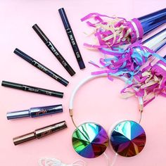 Obsessed with our new colorful mascara & liner shades! Also obsessed with these @frends head phones ;) #benefitbeauty