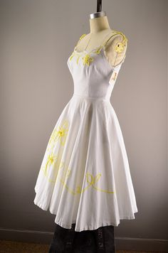 1950s sundress / Vintage summer dress / 50s garden dress. $118.00, via Etsy.